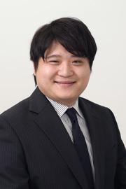 岡壮二郎 先生