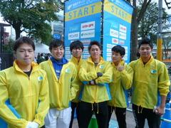 福岡マラソンのボランティアを行いました!