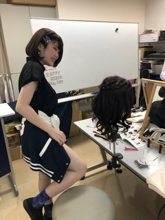 【柏】ヘアメイクの授業にずーむいん!!