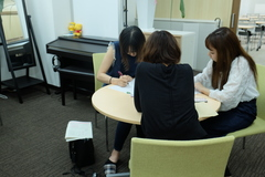 【熊本】卒業生が履歴書を書きに来ました。