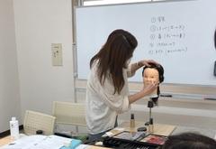 【熊本】メイクコースの授業を覗いてみました!!