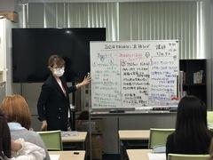 【名古屋第二】メイク専攻の生徒も少しずつ慣れてきました(   ¯꒳¯ )b✧