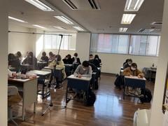 【新宿】単位認定試験の補講中の様子♪